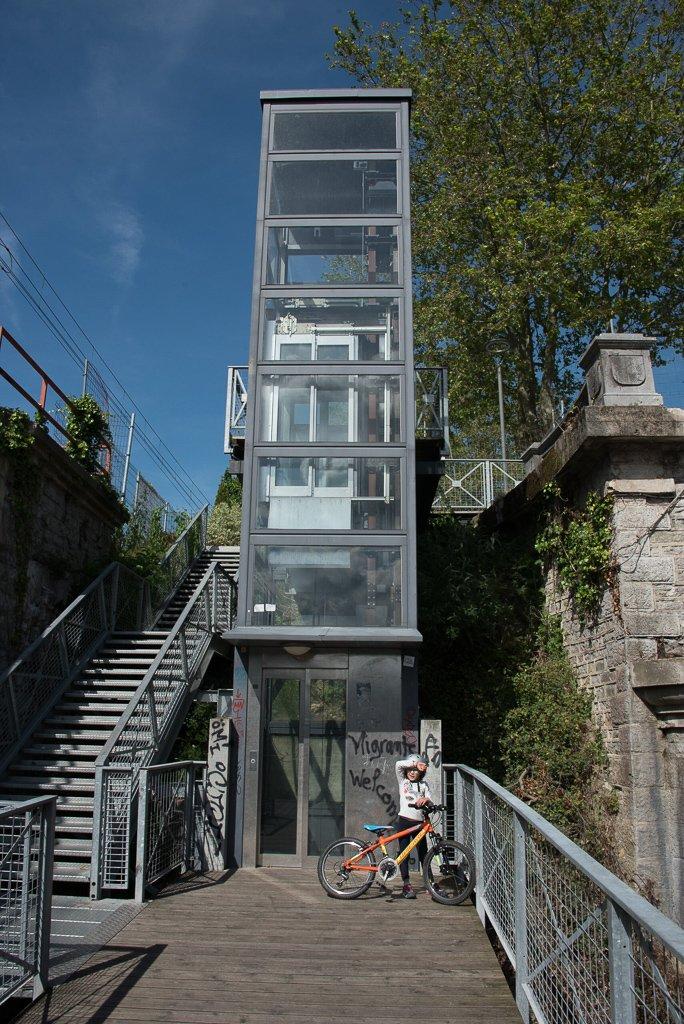 L'ascenseur vers l'Espagne